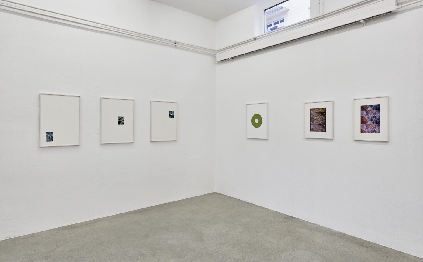 Exhibition View Groupshow «La metamorphose de l'art imprime; view on Philippe Decrauzat, A frame in a frame in a frame (Replica), 2019; Positive copy (Replica), 2019 and Different time (Replica), 2019» at VFO, Zurich, 2019 / Photo: Bernhard Strauss / Courtesy: the artist and VFO, Zurich