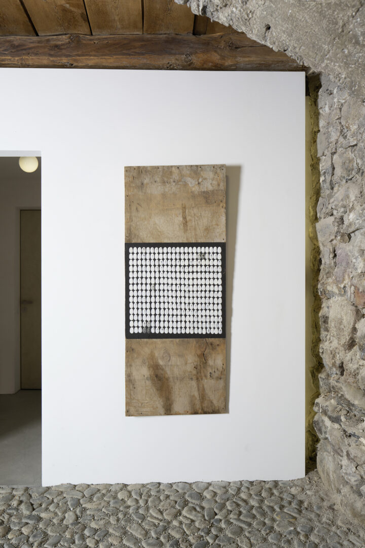 Exhibition View Groupshow «Absolutely Tschudi; view on Richard Long, Untitled, 2013» at Galerie Tschudi, Zuoz, 2019 / Photo: Ralph Feiner, Malans / Courtesy: the artists and Galerie Tschudi, Zuoz