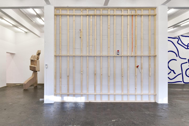 Exhibition View Groupshow «La fine ligne; view on Linus Bill and Adrien Horni, Simon Paccaud and Marine Julié» at Kunst Halle Sankt Gallen, St. Gallen, 2020 / Photo: Kunst Halle Sankt Gallen, Sebastian Schaub