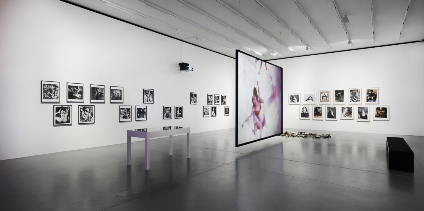 Exhibition View Groupshow «Up to and Including Limits: After Carolee Schneemann; view on Carolee Schneemann, Meat Joy, 1964/2008» at Muzeum Susch, Susch, 2019-2020 / Photo: Maja Wirkus / Courtesy: the artist and Muzeum Susch