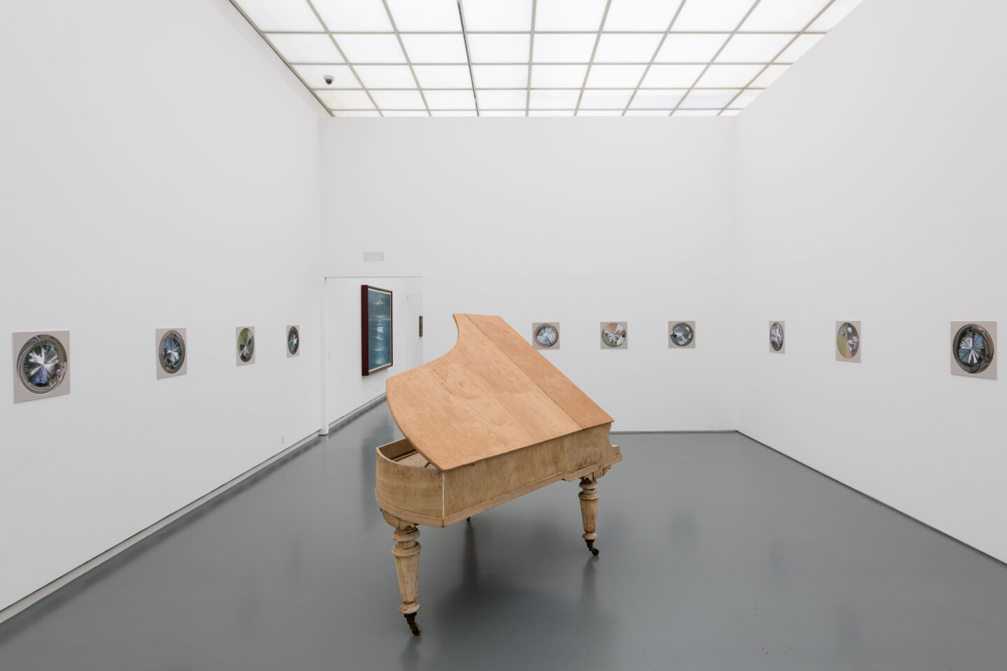 Exhibition View Dominic Michel Soloshow at Aargauer Kunsthaus, Aarau, 2020 / Photo: Ullmann Photography / Courtesy: the artist and Aargauer Kunsthaus