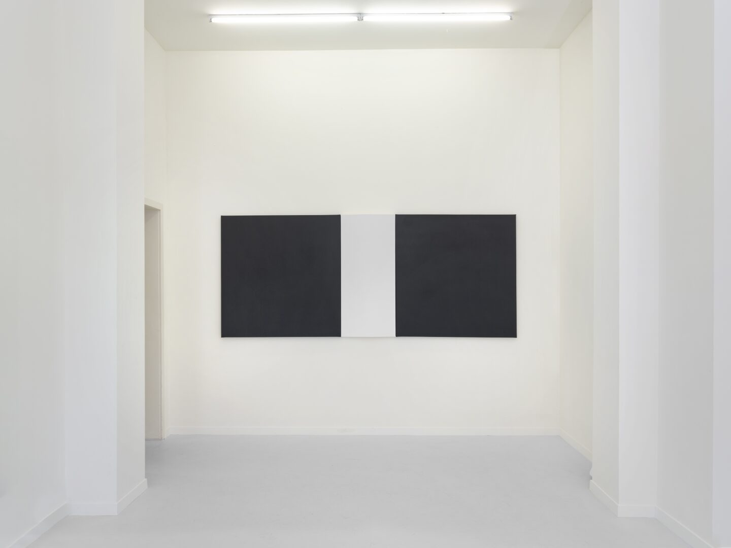 Exhibition View Frederic Gabioud Soloshow «Double or Nothing; view on Untitled, 2019» at Lemoyne Project, Zurich, 2020 / Photo: Julien Gremaud / Courtesy: the artist and Lemoyne Project