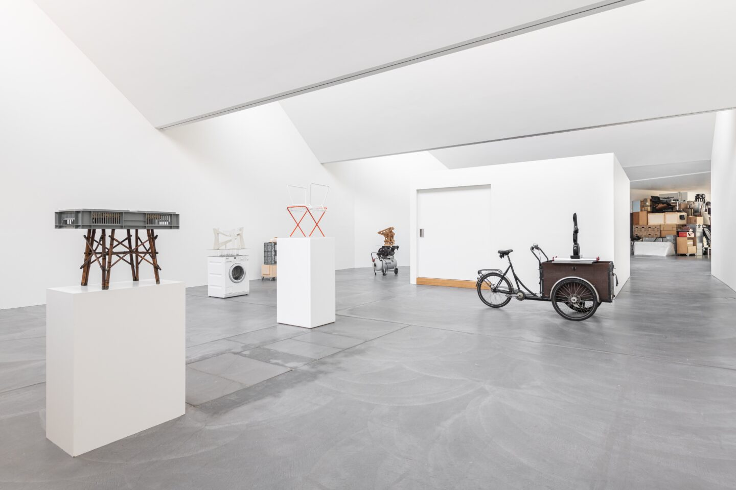 Exhibition View Florian Slotawa Soloshow «Customized Logistics» at von Bartha, Basel, 2020 / Photo: Ben Koechlin / Courtesy: the artist and von Bartha