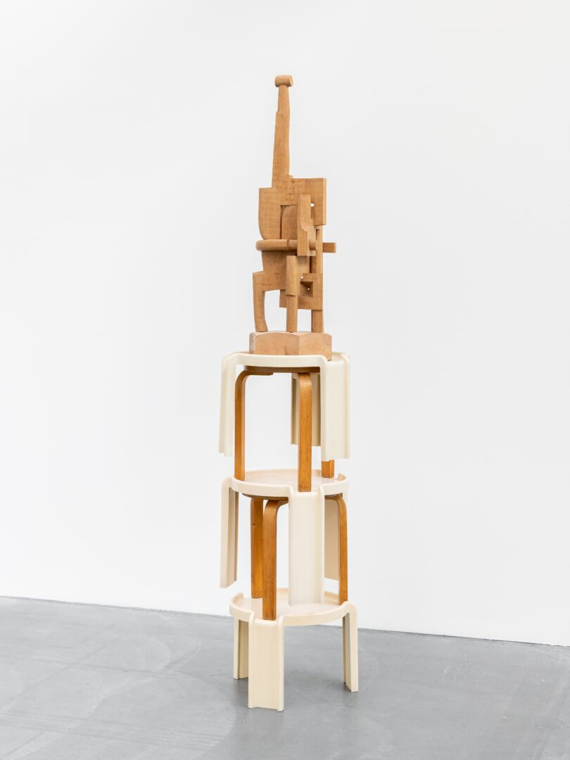 Exhibition View Florian Slotawa Soloshow «Customized Logistics; view on Florian Slotawa / Bernhard Luginbühl, Figur III, 1997/2020» at von Bartha, Basel, 2020 / Photo: Ben Koechlin / Courtesy: the artist and von Bartha