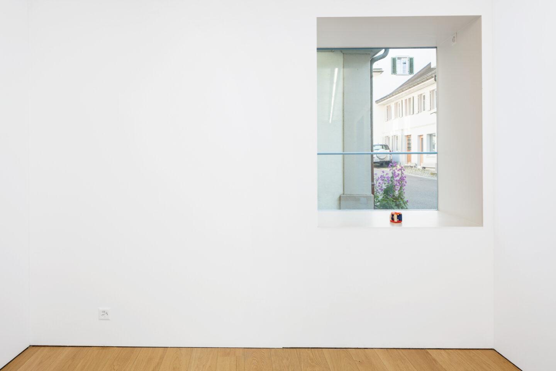 Exhibition View Linda Semadeni Soloshow «Scripts; view on Model, 2019» at Kirchgasse, Steckborn, 2020 / Photo: Björn Allemann / Courtesy: Linda Semadeni and Kirchgasse