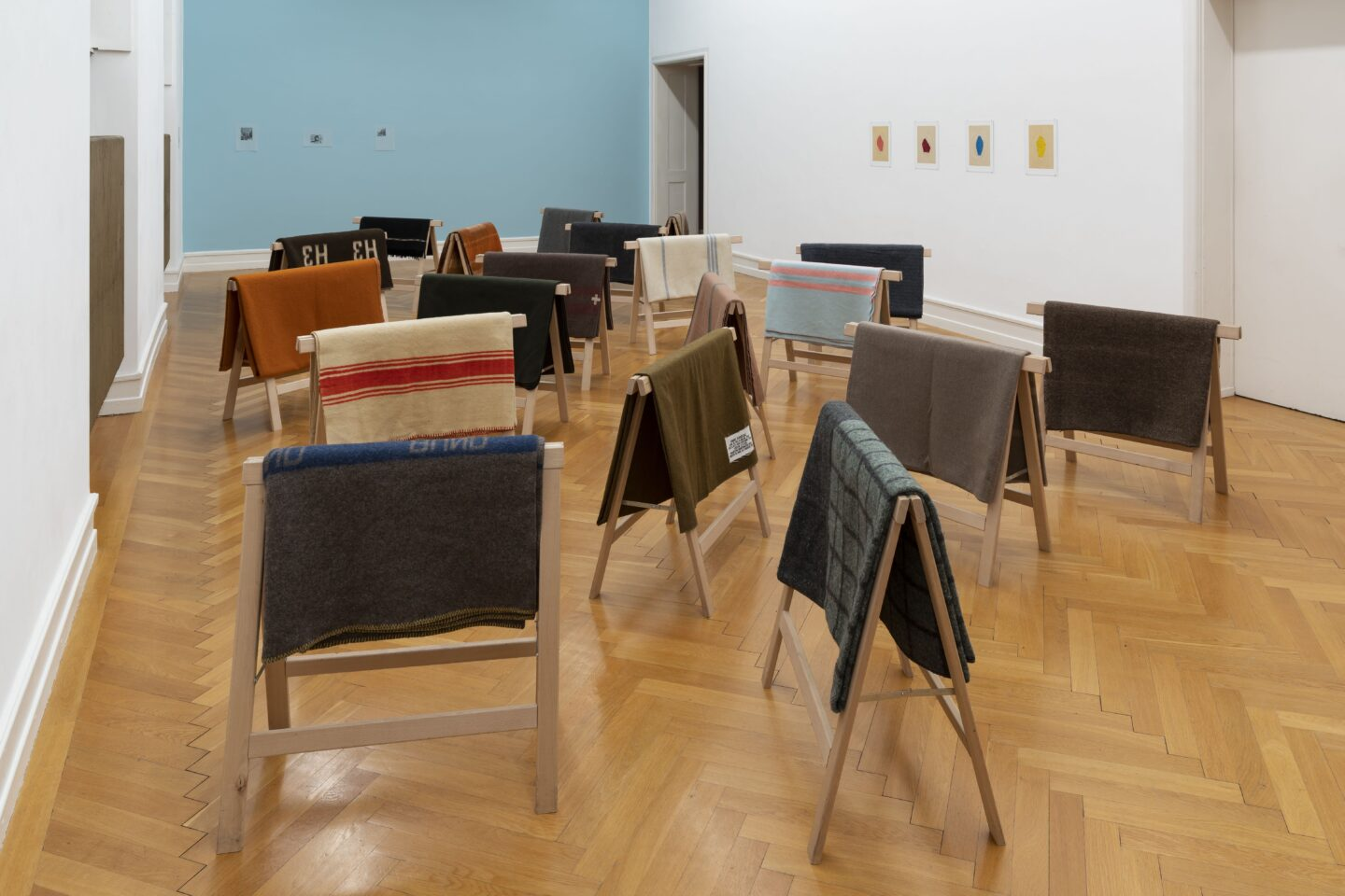 Exhibition View Marc Camille Chaimowicz Soloshow «Dear Valérie…; view on Andréa Sparta, Couvertures, 2019» at Kunsthalle Bern, Bern, 2020 / Photo: Gunnar Meier / Courtesy: the artist and Kunsthalle Bern