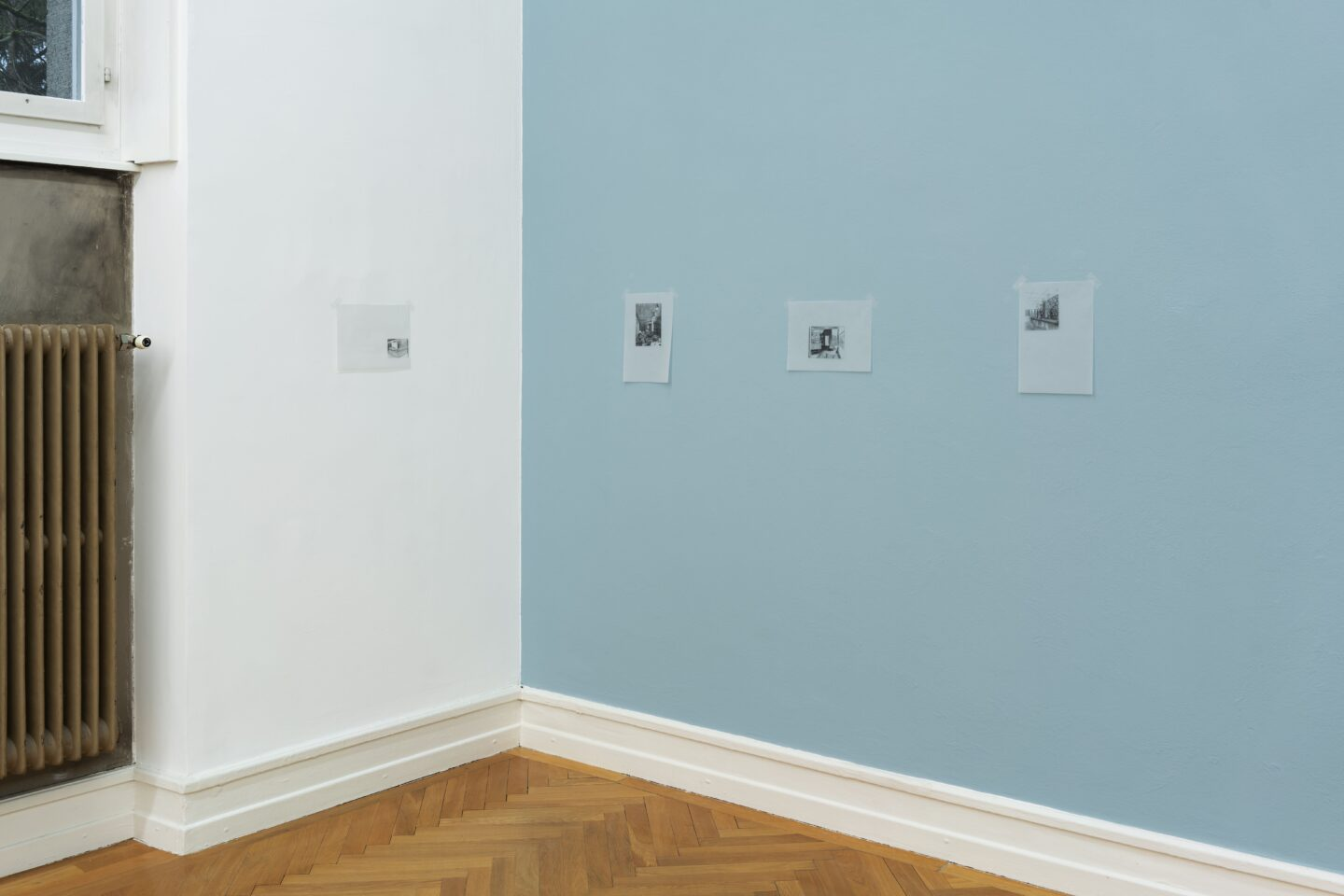 Exhibition View Marc Camille Chaimowicz Soloshow «Dear Valérie…; view on Nadia Wallis» at Kunsthalle Bern, Bern, 2020 / Photo: Gunnar Meier / Courtesy: the artist and Kunsthalle Bern