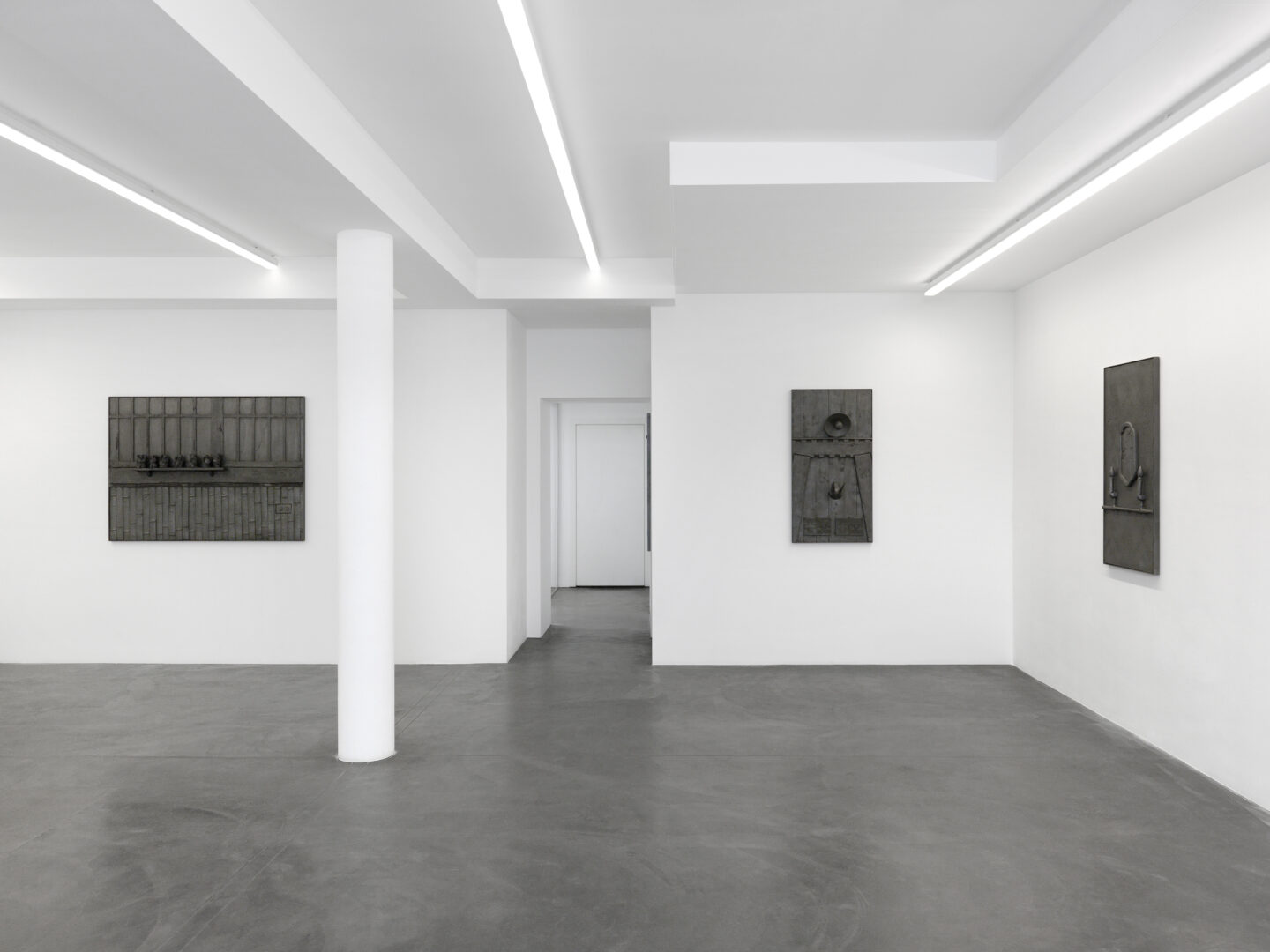 Exhibition View Rico Weber Soloshow «Silver Dust» at Galerie Maria Bernheim, Zurich, 2020 / Photo: Annik Wetter / Courtesy: Galerie Maria Bernheim