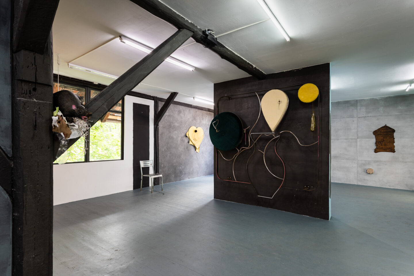 Exhibition View Groupshow «Whispering Walls» at Last Tango, Zurich, 2020 / Photo: Kilian Bannwart / Courtesy: the artists and Last Tango