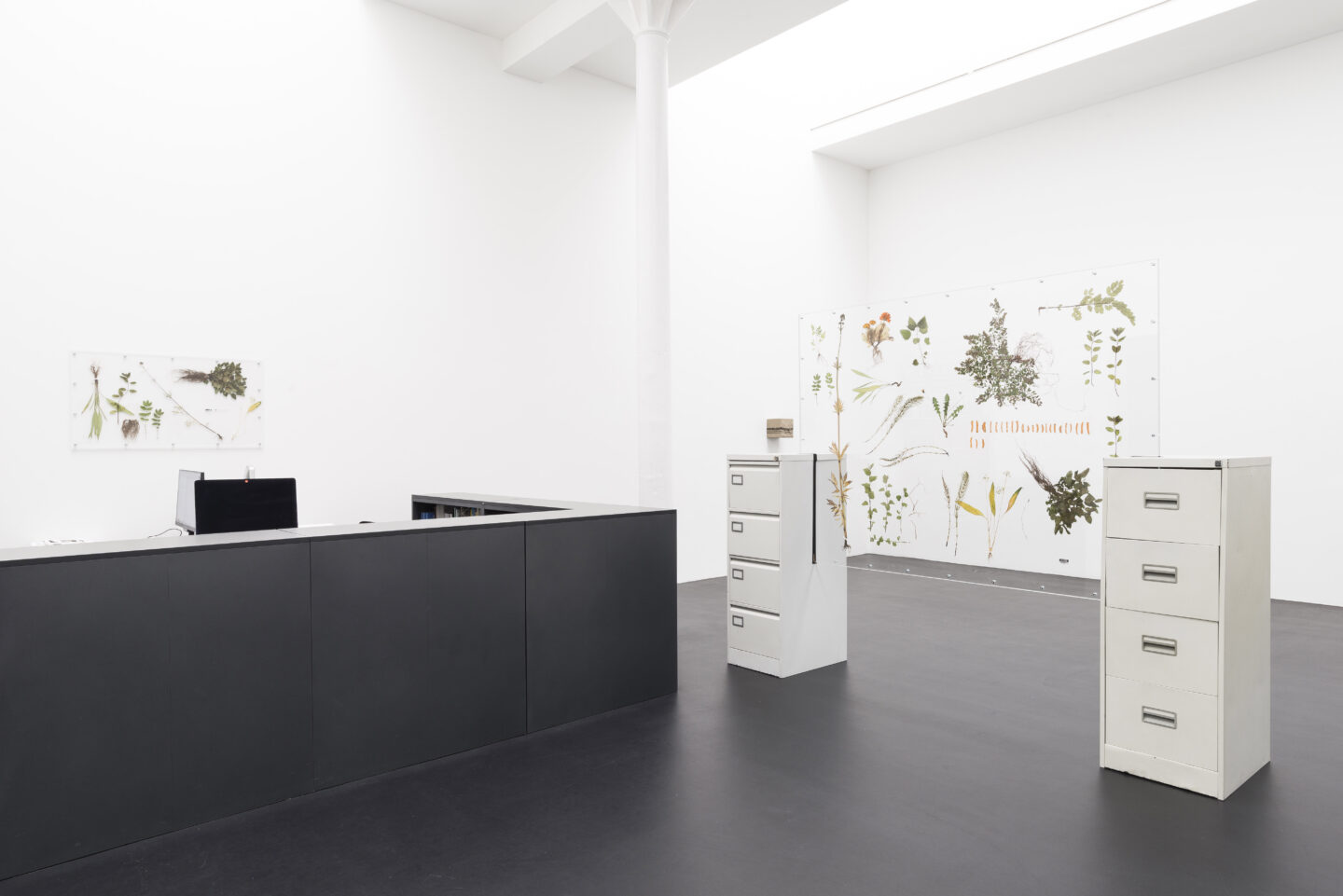 Exhibition View Rachal Bradley Soloshow «Erotics of Infrastructure iii» at Galerie Gregor Staiger, Zurich, 2020 / Courtesy: the artist and Galerie Gregor Staiger