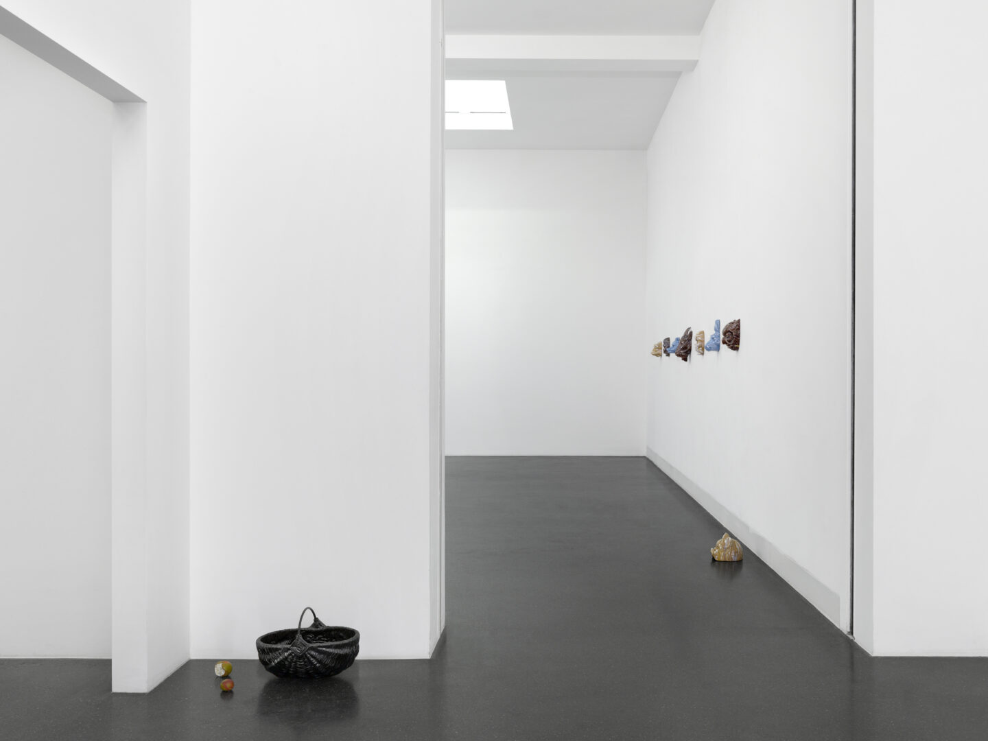 Exhibition View Mai-Thu Perret Soloshow «With an unbounded force» at Galerie Francesca Pia, Zurich, 2020 / Photo: Annik Wetter / Courtesy: the artist and Galerie Francesca Pia