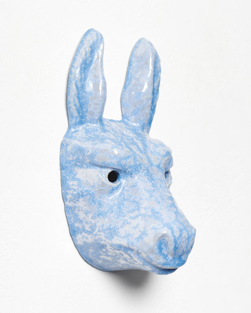 Exhibition View Mai-Thu Perret Soloshow «With an unbounded force; view on Mai-Thu Perret, With an unbounded force (blue donkey), 2020, Glazed ceramic, 30 × 15 × 13 cm» at Galerie Francesca Pia, Zurich, 2020 / Photo: Mareike Tocha / Courtesy: the artist and Galerie Francesca Pia
