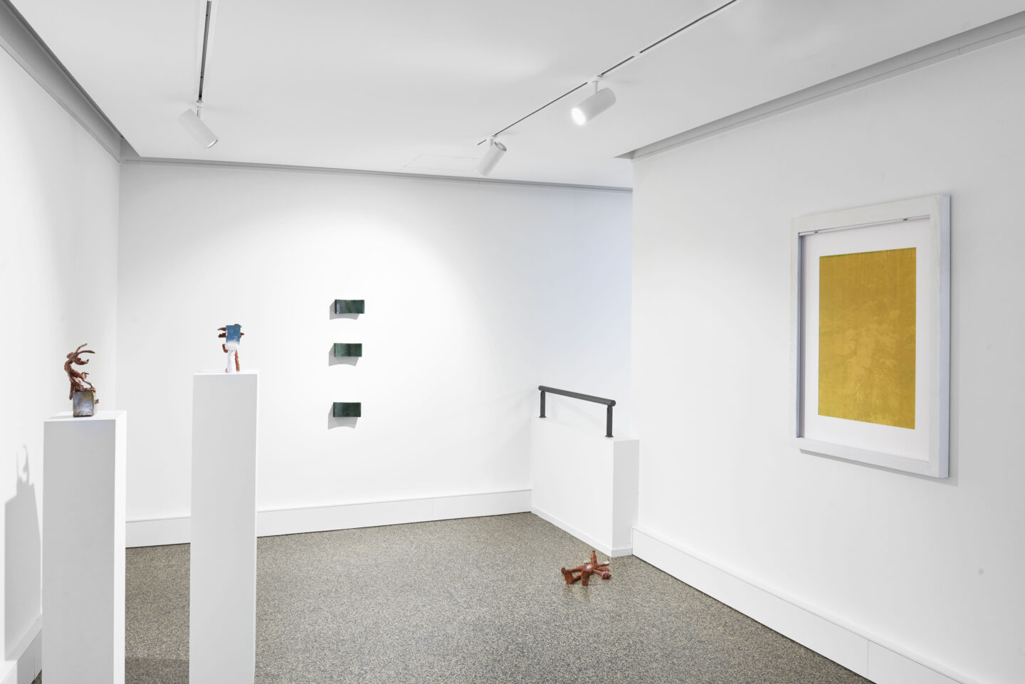 Exhibition View Groupshow «Supper Club» at Wilde, Basel, 2020 / Photo: Philipp Hänger / Courtesy: the artists and Wilde