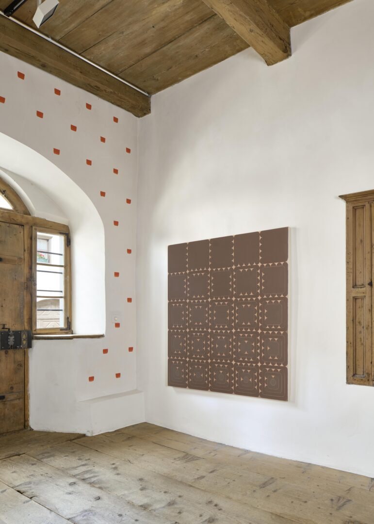 Exhibition View Dan Walsh Soloshow «AfterMath» at Galerie Tschudi, Zuoz, 2020 / Photo: Ralph Feiner, Malans / Courtesy: the artist and Galerie Tschudi