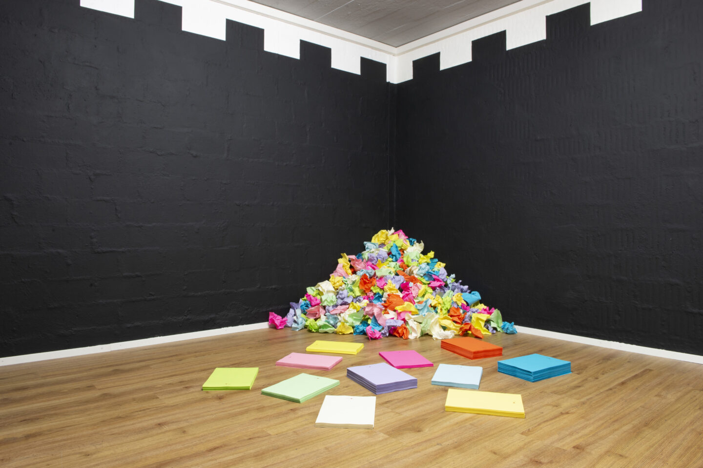 Exhibition View Groupshow «i hate you; view on Swetlana Heger, The Unbroken Circle, 2020, Copy paper, Dimensions variable» at Plymouth Rock, Zurich, 2020 / Courtesy: the artist and Plymouth Rock