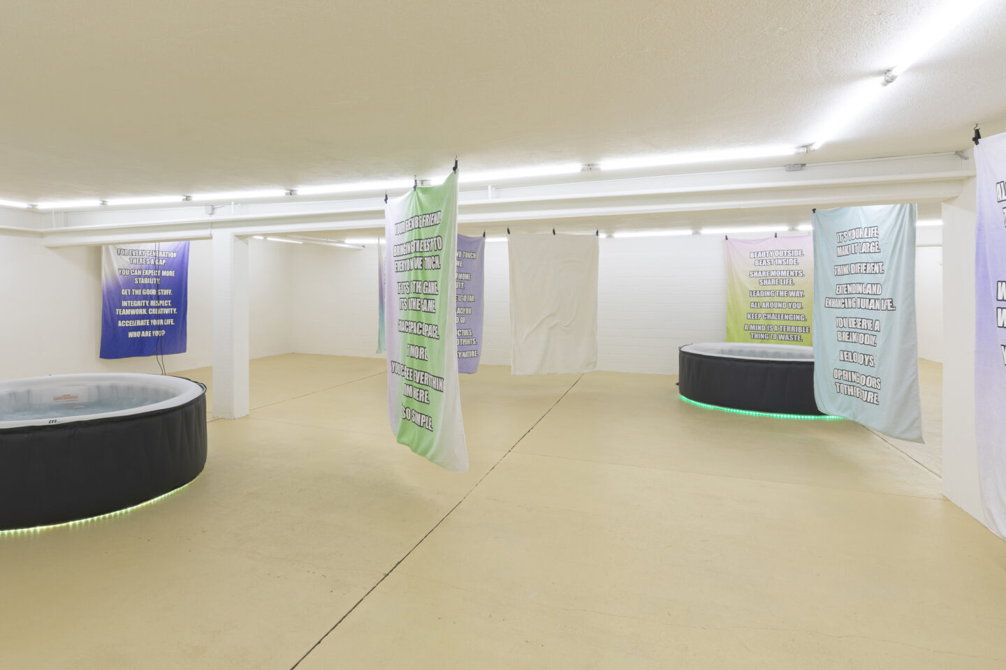 Exhibition View Clifford E. Bruckmann Soloshow «six degrees of memories, decisions, potentials» at unanimous consent, Zurich, 2020 / Photo: Michal Florence Schorro / Courtesy: the artist and unanimous consent